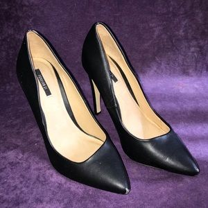 🎉Black pumps size 8🎉